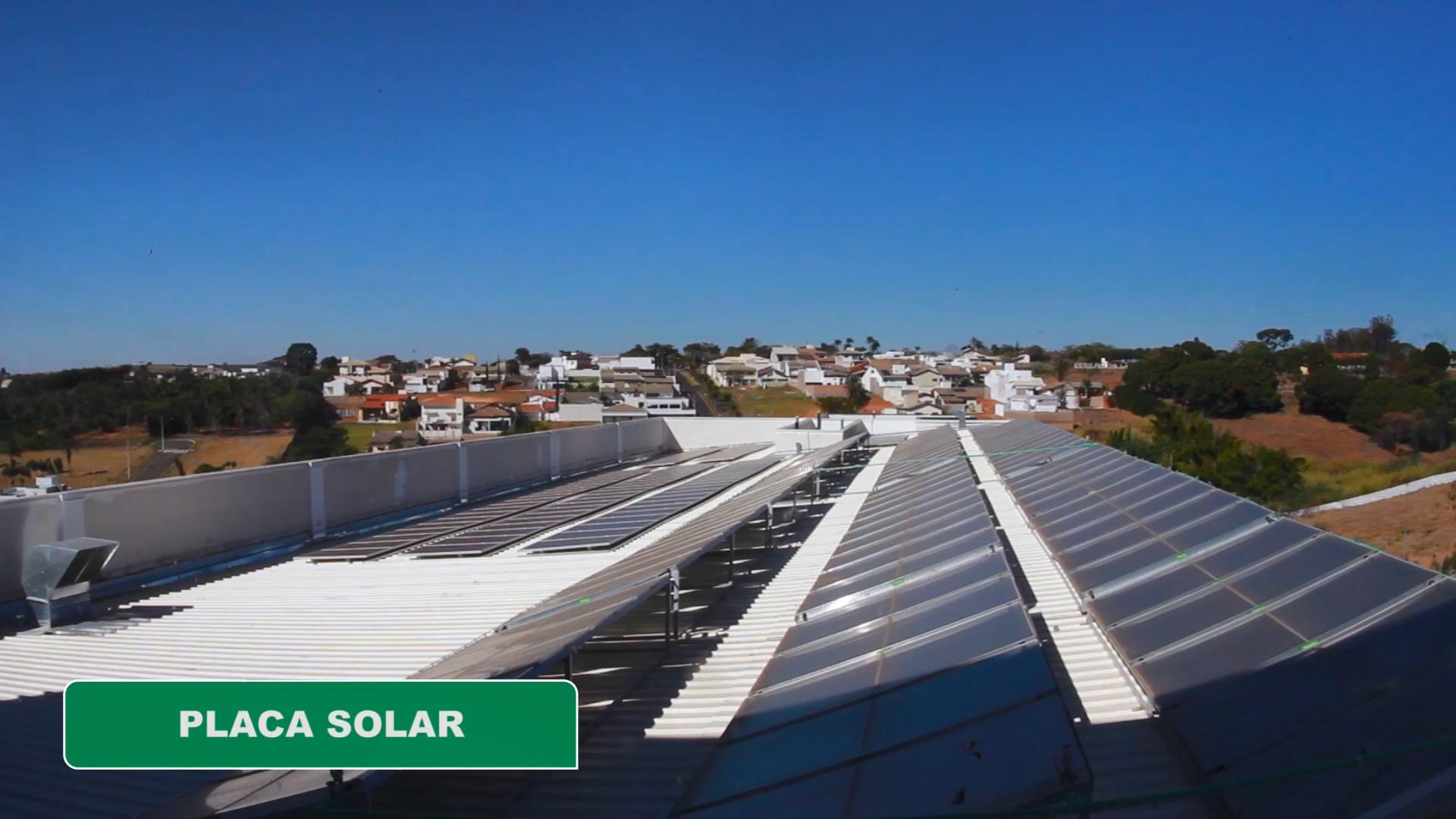 Placas Solares Edificação eficiente traz economia perene